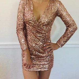 Xtaren sequin long sleeve dress rose gold small